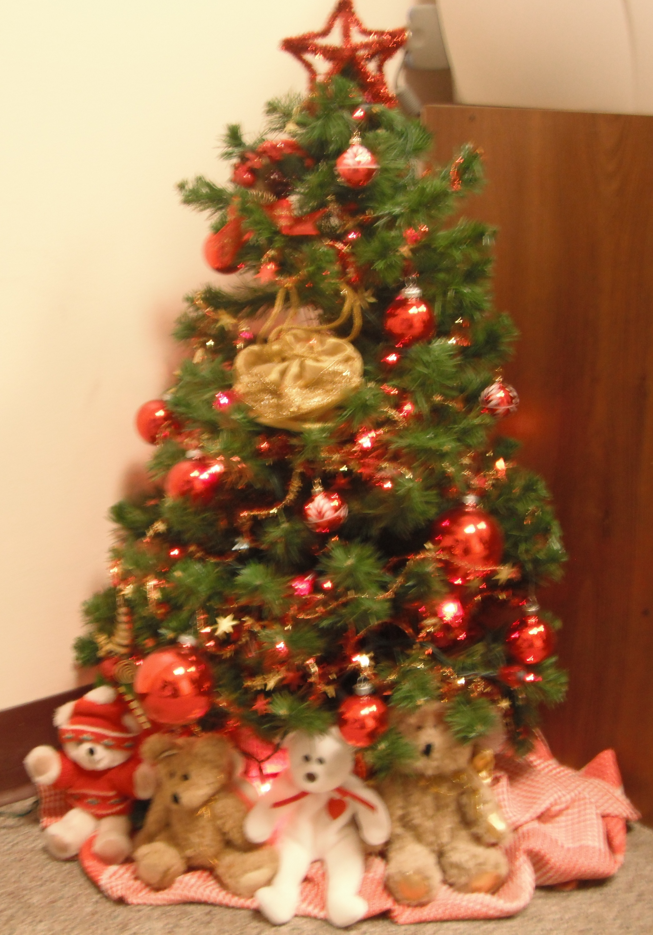 Christmas Tree Decorated With Teddy Bears Teddy Bears Christmas Tree