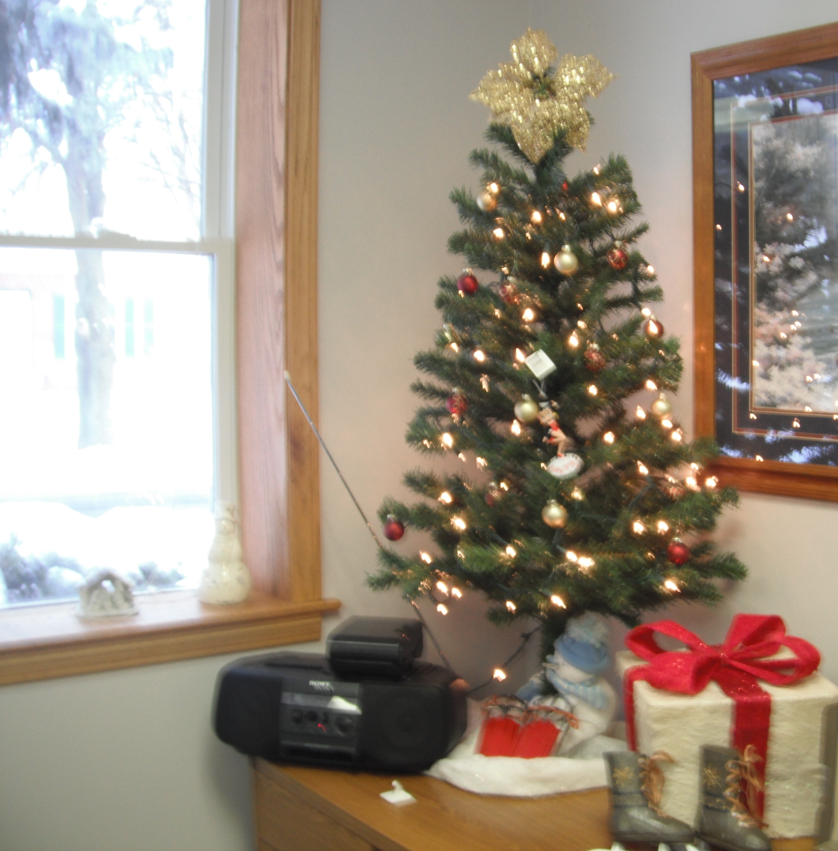 Christmas Tree Merry Christmas: Campus Life Blog