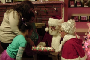 Giving out presents2
